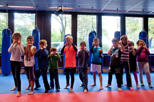 Kinder und Nachwuchs Training