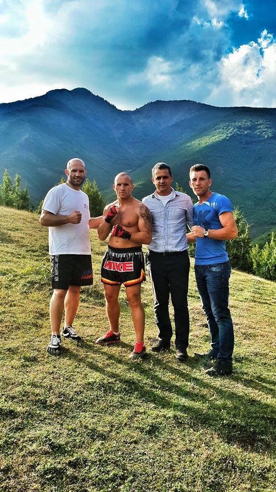 Reportage über Jonny und Mike Keta in ihren Geburtsort Bulqize (Albanien)